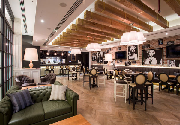 St Tropez Bistro, Mall of the Emirates