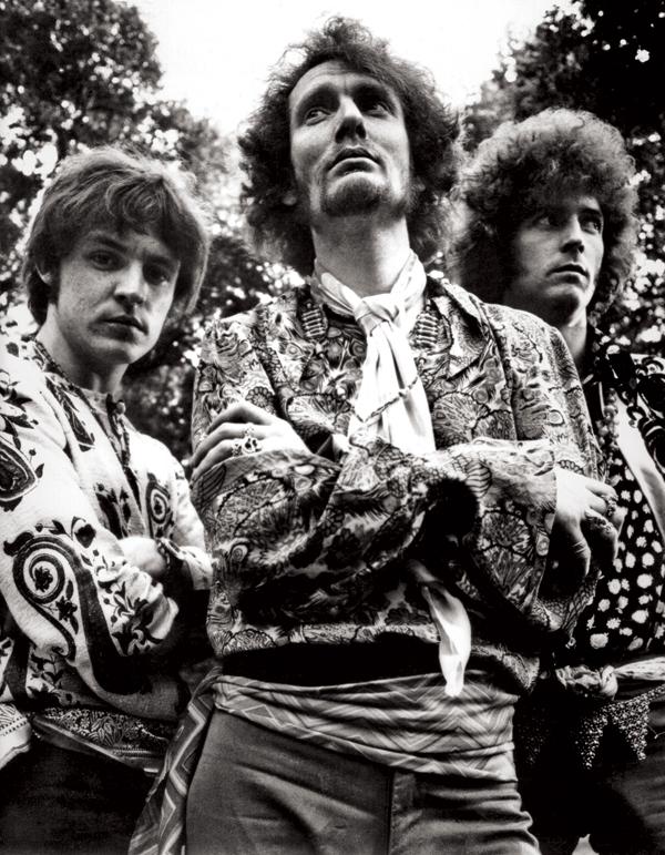 Eric Clapton forms Cream