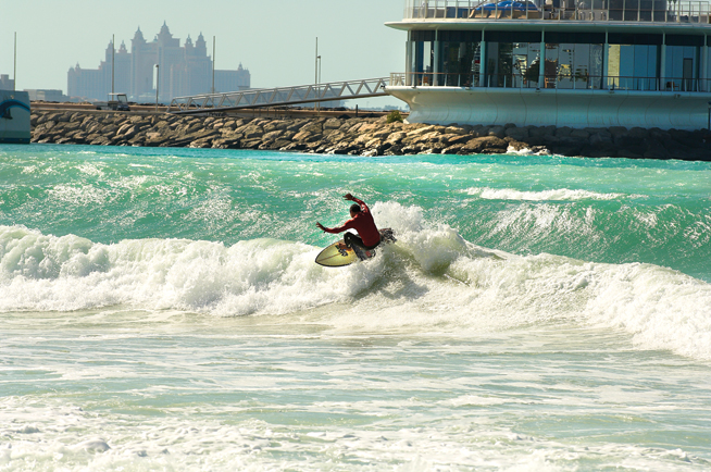 Surfing in Dubai - ESSA Sunset Open