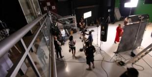 Alwiya A Thani on set