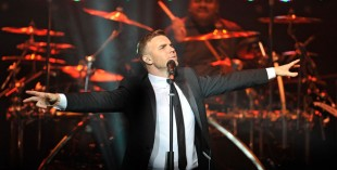 Gary Barlow is to play Dubai Media City Amphitheatre in October
