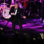 Robbie Williams announces Abu Dhabi show