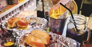 Moylos burger restaurant in Jumeirah - review