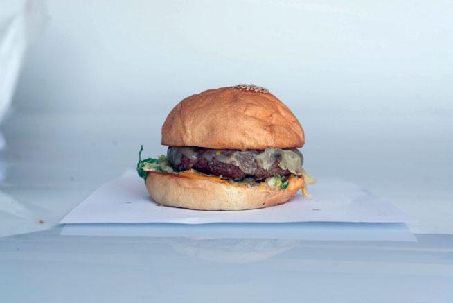 Fuddruckers - best burgers in Dubai