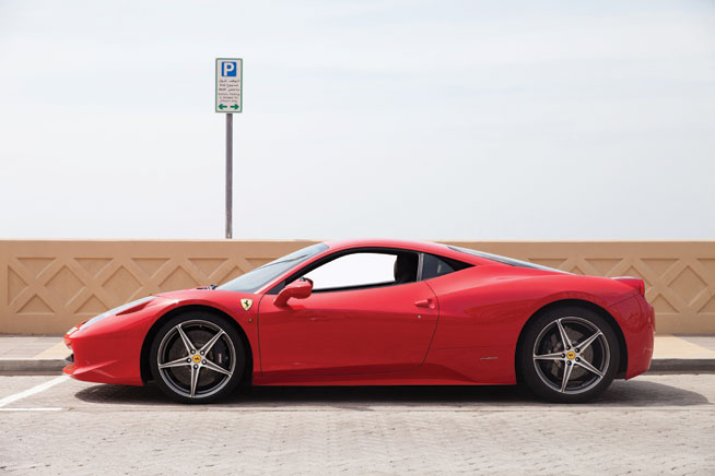 Ferrari 458 italia - cool car rentals in Dubai