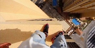 Freerunning in Dubai - Oleg Sherstyachenko stunt