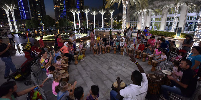 Evening-drumming-at-Dubai-Marina