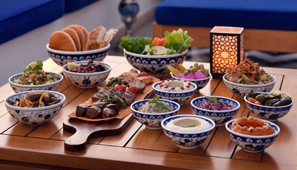ramadan in dubai 2017 restaurants open for lunch breakfast. Black Bedroom Furniture Sets. Home Design Ideas