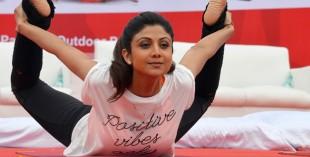 shilpa-shetty-yoga