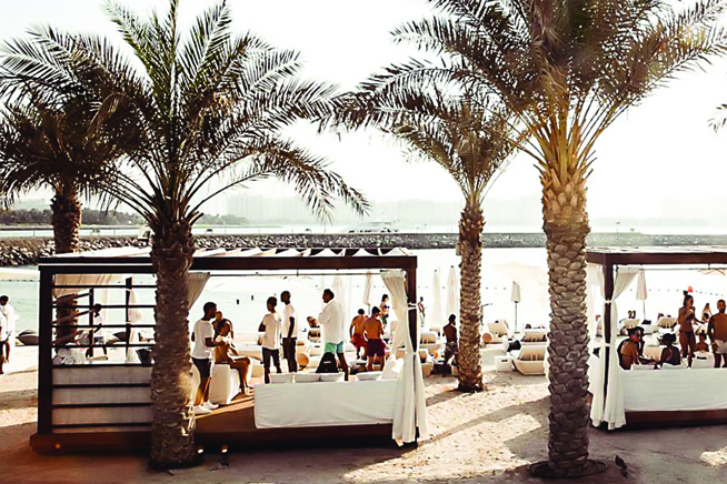 Luxury party family friendly 18 beach clubs in dubai for Best luxury family hotel dubai