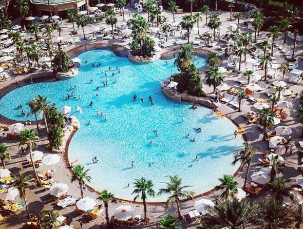 Nasimi beach is offering atlantis pool access for free for Atlantis pools