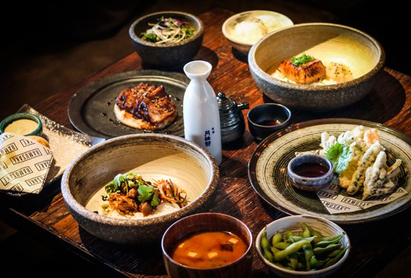 Every Thursday This Japanesespot Offers A Business Lunch For Dhs104 The Price Includes A Three Course Meal And A Cup Of Sake With Several Tasty