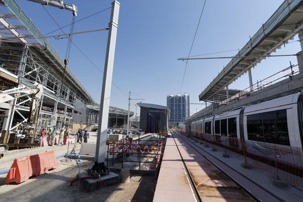Dubai Tram begins testing