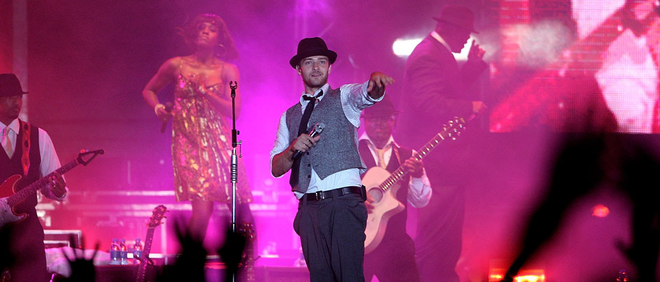 Justin Timberlake performing in Abu Dhabi in 2007