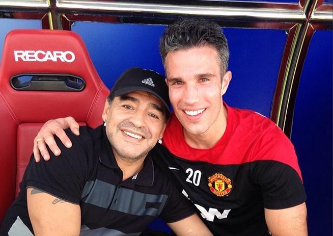 Diego Maradona meets Robin van Persie (from instagram/robinvanpersie)