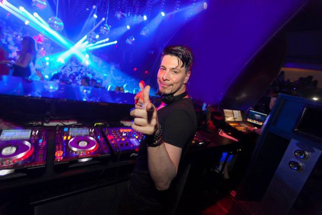 Thomas Gold is playing at White Dubai (picture from Thomas Gold Facebook)