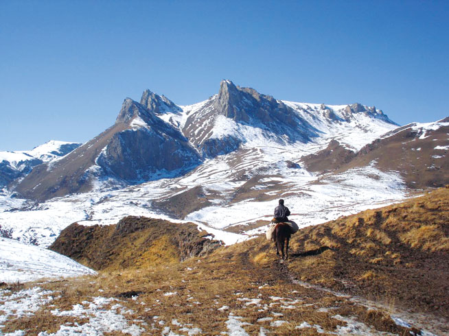 Tibet - world's best horseriding holidays