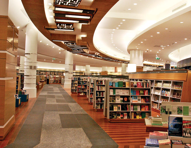 Dubai Mall bookshops - book clubs in Dubai