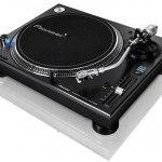 Record store in Dubai to open. Help and win a Pioneer turntable
