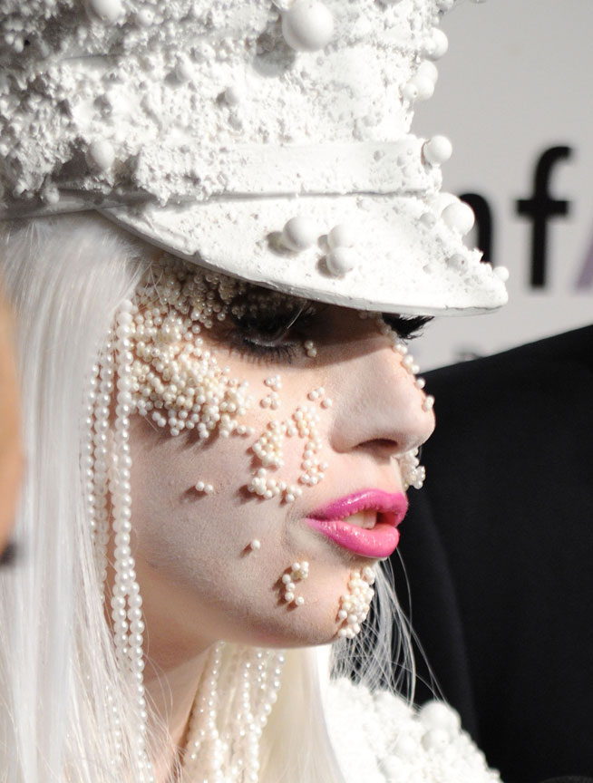Lady Gaga In Dubai Outrageous Outfits Quotes What S On