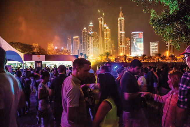 Underground nightlife in Dubai - Groove on the Grass
