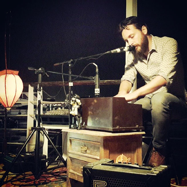 Daniel Cochran and The Belly of Paris, Freshly Ground Sounds
