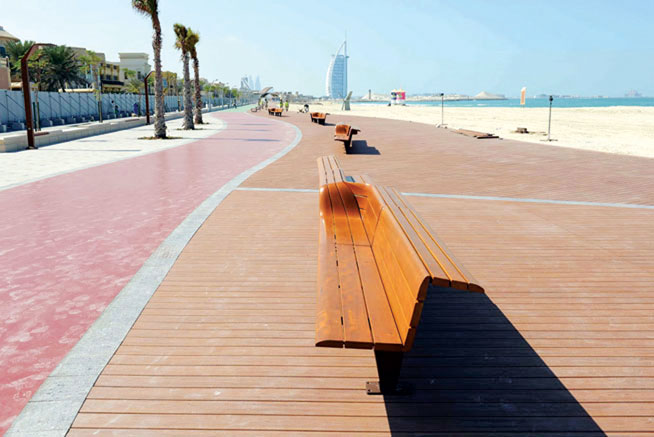 Best running tracks in Dubai - Jumeirah Corniche