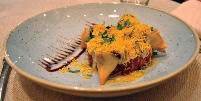 Best dishes in Dubai - Vegetable samosa at Ashiana