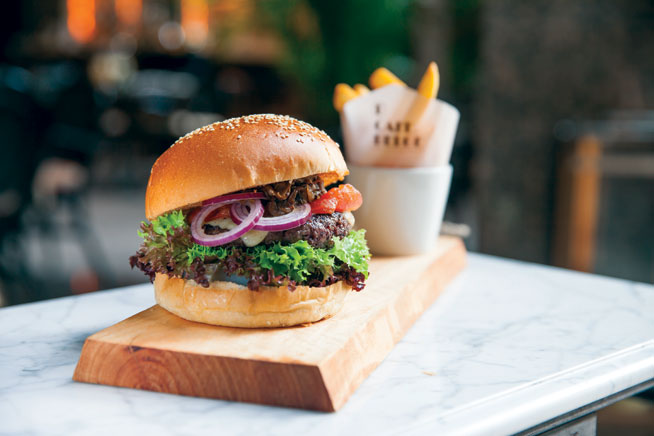 Best dishes in Dubai - Wagyu burger at Cafe Belge
