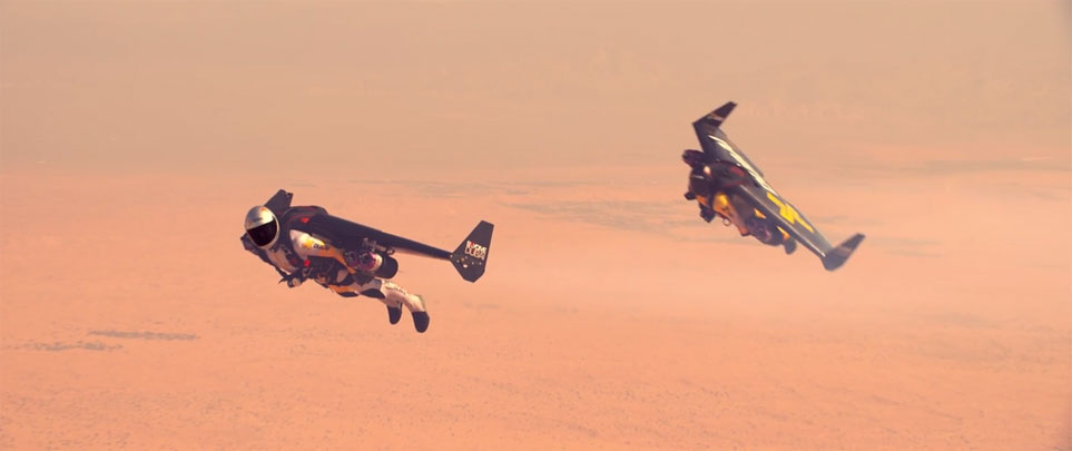 Jetman Dubai does tandem flight over Dubai