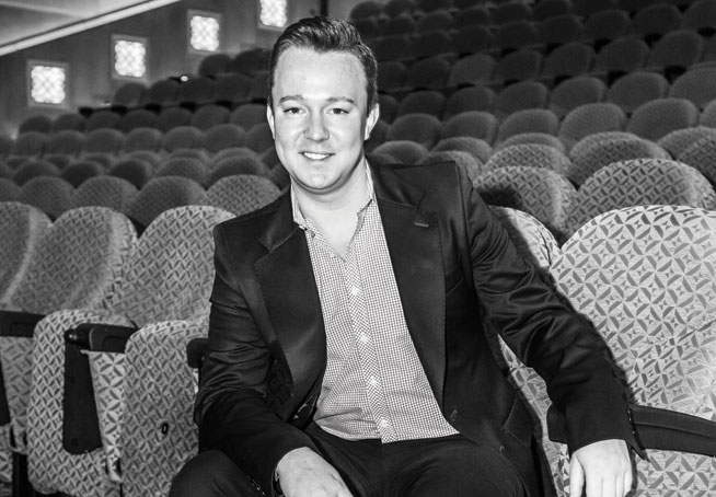 Meet the director of Alice In Wonderland - Madinat Theatre December 2014