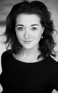 Meet the star (Bethan Wyn Davies) of Alice In Wonderland - Madinat Theatre December 2014