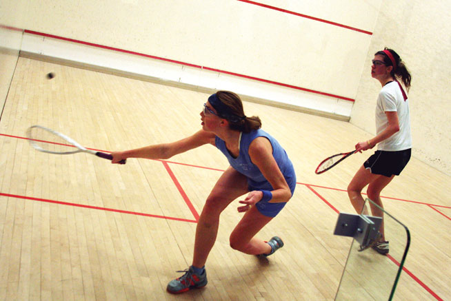 Play squash in Abu Dhabi
