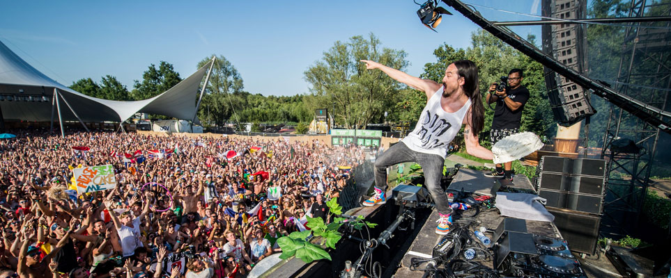 Steve Aoki is to play at Eden Beach Club in Dubai