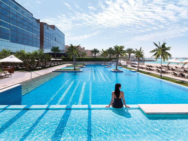 Beach clubs in Abu Dhabi - Fairmont Bab Al Bahr