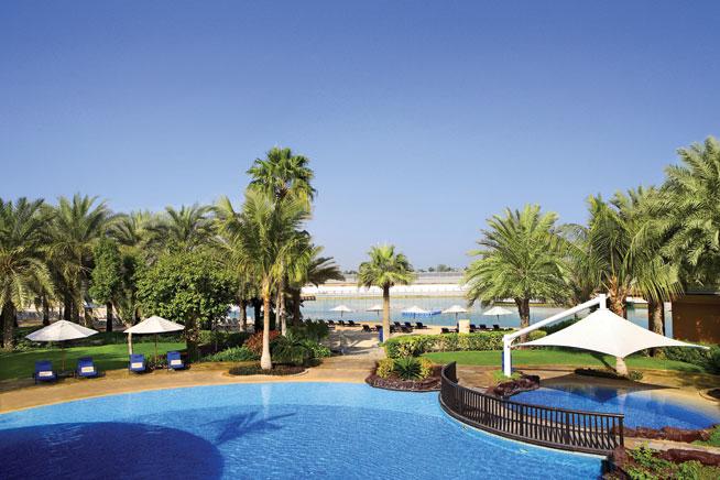 Beach clubs in Abu Dhabi - Sheraton