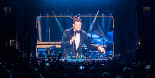 Pictures of Michael Buble live in Dubai (by Kristina Nabieva for What's On)