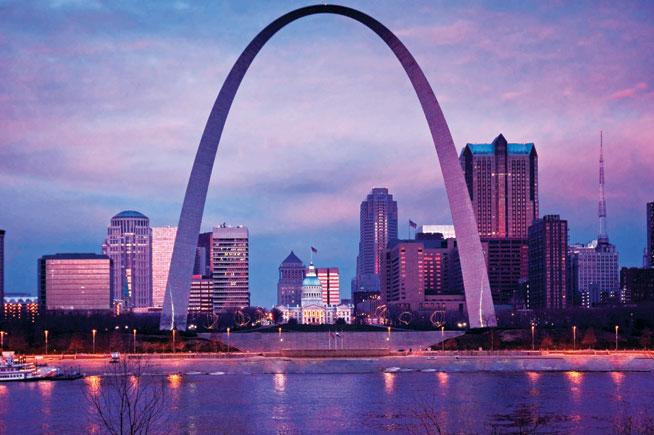 Public art - The Gateway Arch; St Louis, USA