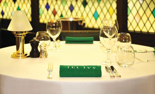 The-Ivy-Dubai---Table-Set-Up