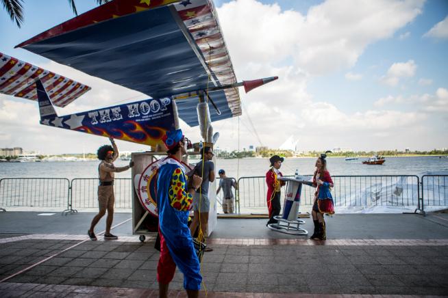 Flugtag Dubai 2015 Circus