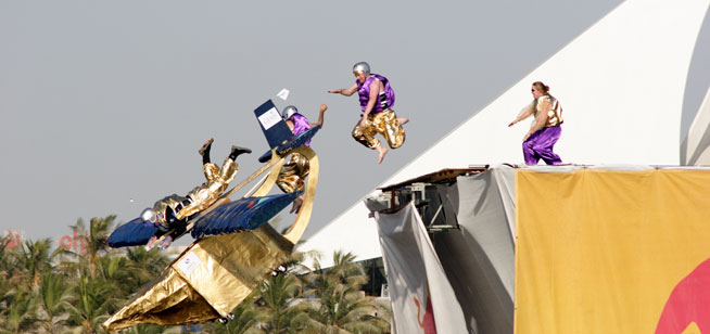 Flugtag_Dubai_UAE_25-Nov-05_Adam_Cukrowski_IMG_1514-2