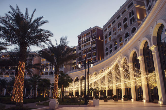 The RitzCarlton_AbuDhabi Giornotte terrace
