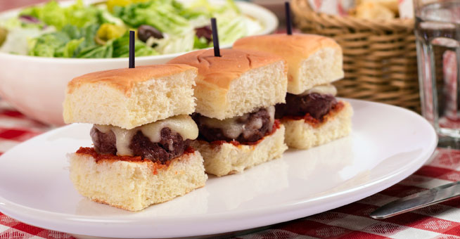 Buca-Di-Beppo-Meatball-Sliders-Table-Shot
