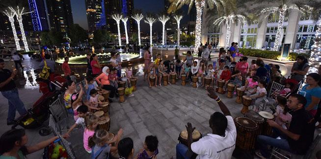 Evening-drumming-at-Dubai-Marina