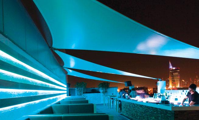 Story-rooftop-lounge,-Dubai-terrace