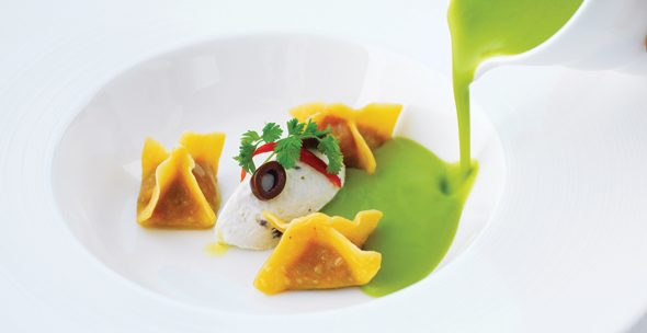 ALTA-BADIA_ZUPPA-DI-PISELLI---Green-peas-soup,-sundried-tomato-tortellini,-ricotta,-taggiasche-olives