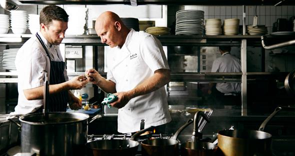 Matt-Moran-ARIA-kitchen-2