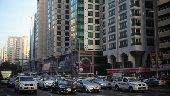 abu-dhabi-street