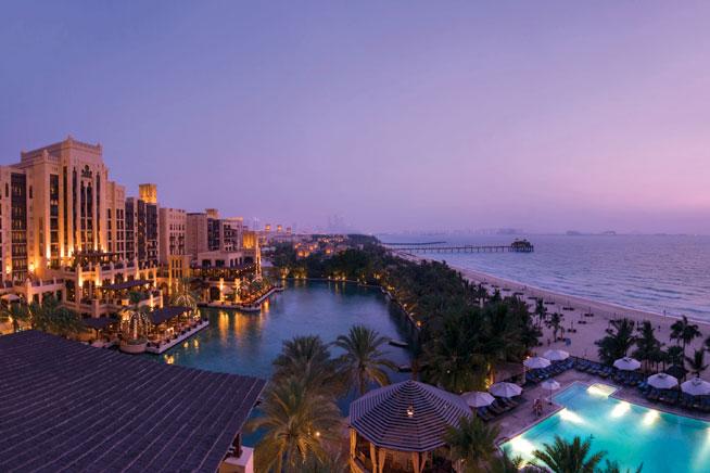 Madinat_Jumeirah_-_Mina_A_Salam-_Exterior_night_4