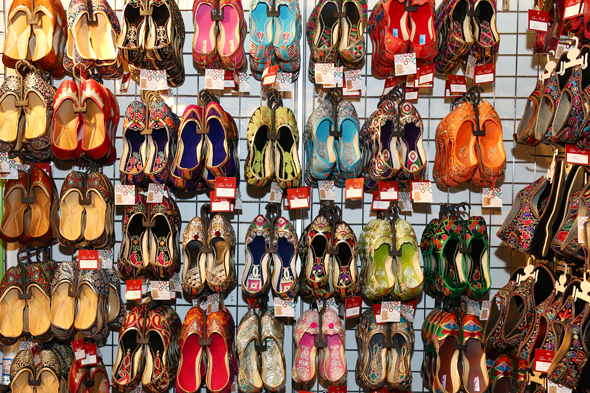 shoes-ramadan-night-market